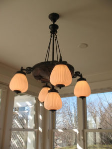 ik-sh-4a-dining-room-table-chandelier